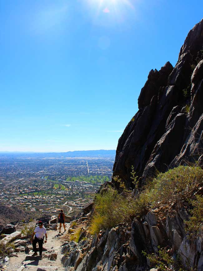 Hikers, Trail, Rock face, City, View, Piestewa Peak, Phoenix, Arizona, Piestewa Peak Summit Hiking Trail