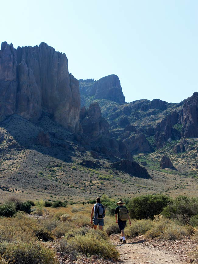 Landscape, Hikers, Siphon Draw Hiking Trail, Central Arizona, Superstition Mountains,, Lost Dutchman State Park, Apache Junction, Flatiron Mesa