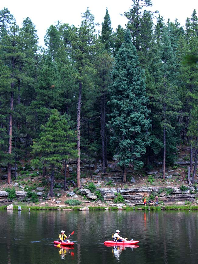 Arizona 39 s woods canyon lake hiking trail is full of perks for Woods canyon lake fishing
