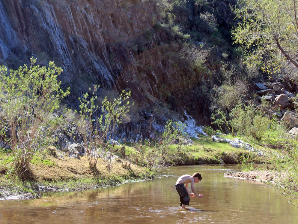 Hiker, Boy Playing, Aqua Fria River, Horseshoe Bar, Black Canyon Hiking Trail, Rock Spring Spur Trail, Black Canyon City, Arizona, Canyon, Phoenix Area, Water Hike,