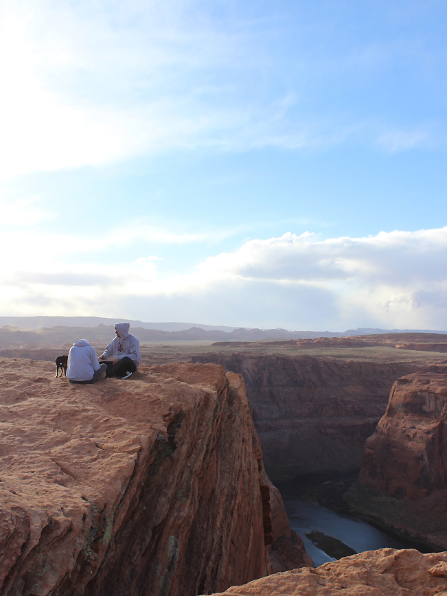 Landscape, View, Hikers, Dog, Rim, Horseshoe Bend Hiking Trail, Horseshoe Bend, Lookout Point, Page, Arizona, Cliffs, Colorado River, Family Hikes, Easy Hikes, Grand Canyon Area Hikes