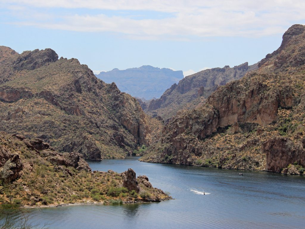 Landscape, View, Boat, Cliffs, Saguaro Lake, Perigrine Point, Butcher Jones Hiking Trail. Moderate Hikes. Phoenix Area Hikes. Family Friendly Hikes. Pet Friendly Hikes.