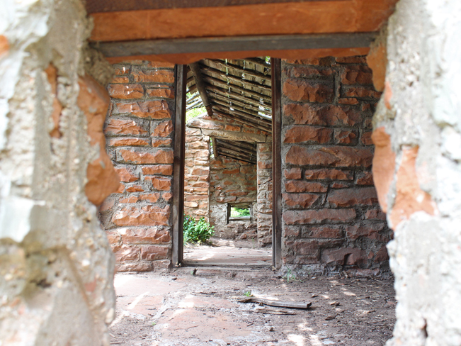 Architectural Ruins, Livestock Stables, Mayhew Lodge, Homestead, Sedona, Arizona, West Fork Hiking Trail, Sedona Area Hikes, Easy Hikes, Family Friendly Hikes, Pet Friendly Hikes