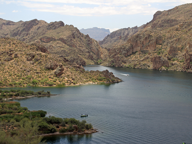 Landscape, View, Saguaro Lake, Arizona, Water, Coves, Boat, Cliffs, Razorback point, Perigrine Point, Butcher Jones Hiking Trail. Moderate Hikes. Phoenix Area Hikes. Family Friendly Hikes. Pet Friendly Hikes.