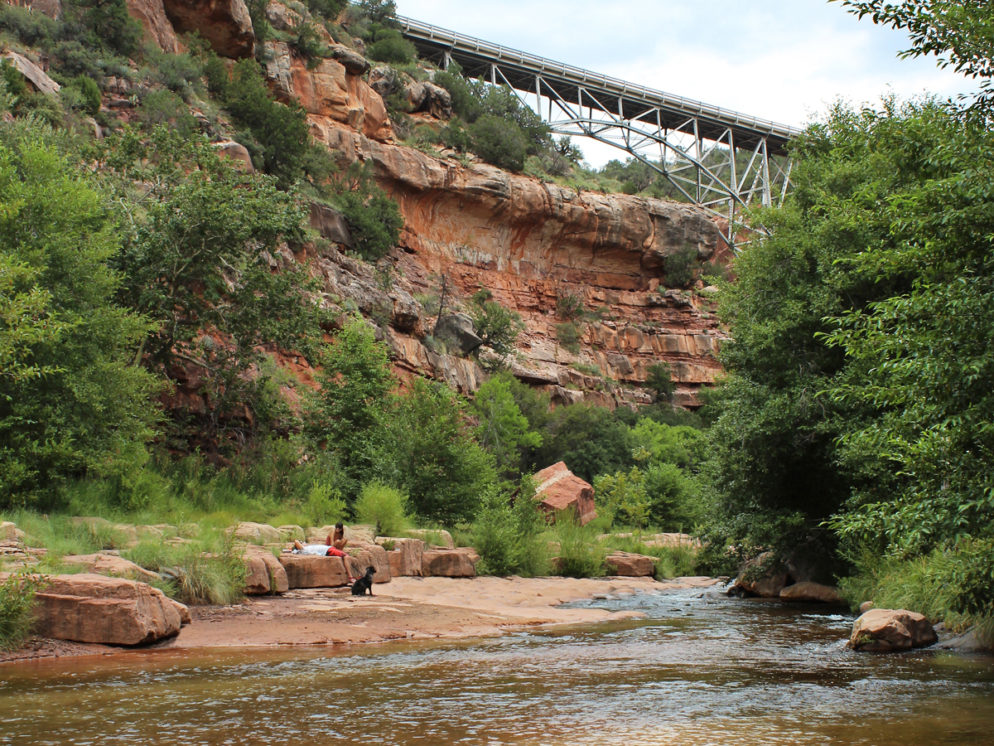 Huckaby Hiking Trail; Sedona; Arizona; Landscape; View; Red Rocks; Sedona Area Hiking Trails; Oak Creek; Easy Hiking Trails; Hiking Trails with Water; Copyright azutopia.com. No use without permission