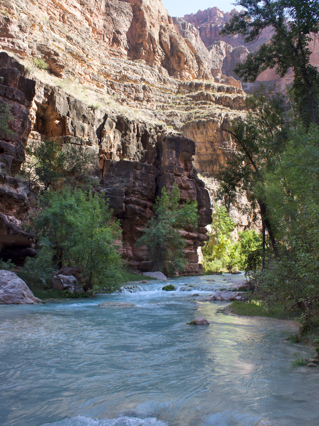 Havasu Hiking Trail; Havasupai Reservation; Havasu Canyon; Grand Canyon; Supai; Havasu Creek; Difficult Hiking Trails; Northern Arizona Hiking Trails; Copyright azutopia.com. No use without permission.
