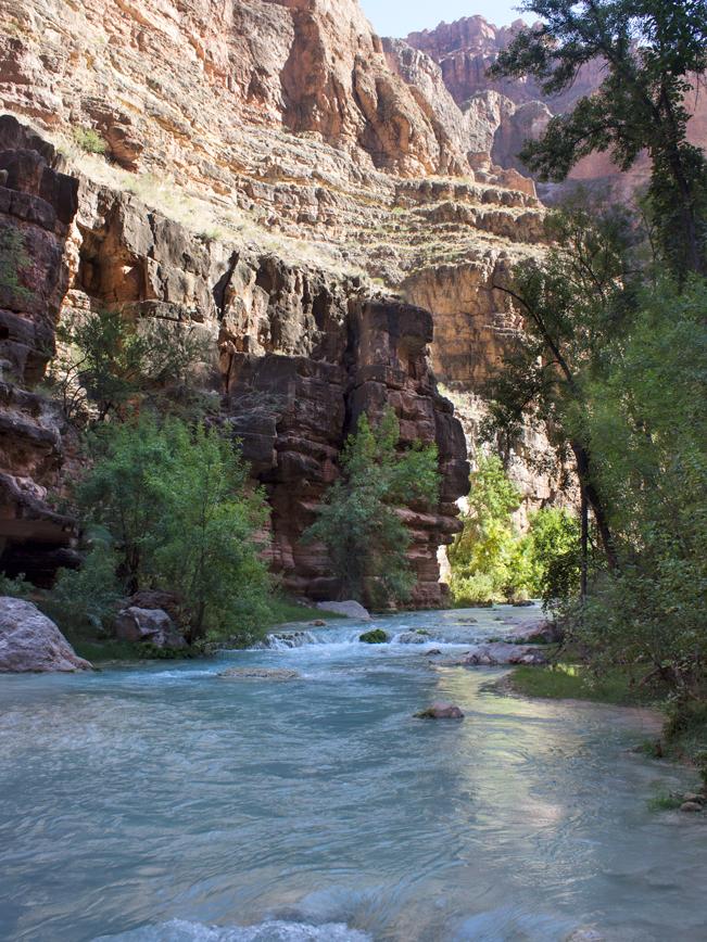 Havasu Hiking Trail; Havasupai Reservation; Havasu Canyon; Grand Canyon; Supai; Havasu Creek; Difficult Hiking Trails; Northern Arizona Hiking Trails; Copyright azutopia.com. No use without permission.