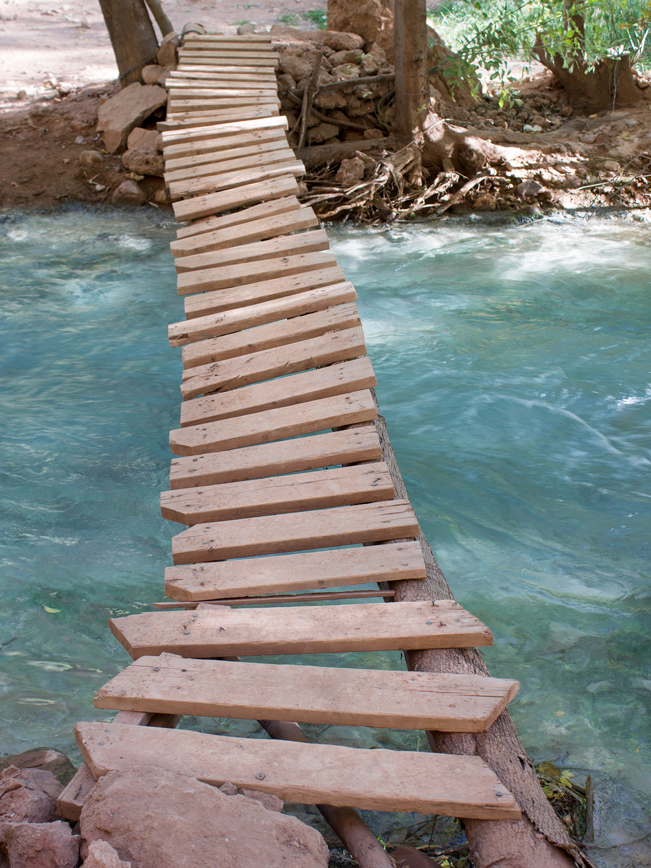 Footbridge; Havasu River; Havasu Campground; Havasu Canyon; Havasu Falls Hiking Trail; Northern Arizona; Arizona; Havasu River; Turquoise Water; Waterfall; River; View; Canyon; Havasupai; Supai; Arizona; Northern Arizona Hikes; Difficult Hikes; Copyright azutopia.com. No use without permission