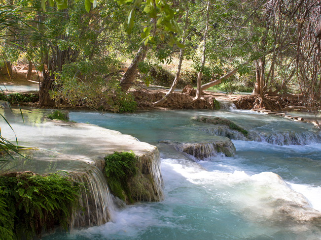 Havasu Hiking Trail; Havasupai Reservation; Havasu Canyon; Grand Canyon; Supai; Cascades; River Crossing; Foot Bridge; Havasu Creek; Waterfall; Difficult Hiking Trails; Northern Arizona Hiking Trails; Copyright azutopia.com. No use without permission.