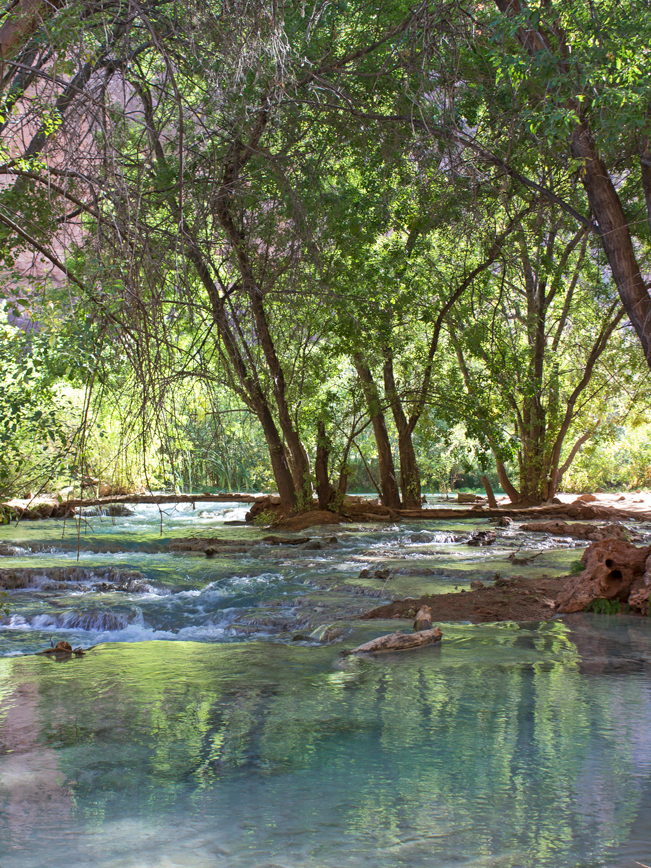 Havasu River; Havasu Canyon; Havasu Falls Hiking Trail; Northern Arizona; Arizona; Turquoise Water; Waterfall; River; View; Canyon; Havasupai; Supai; Arizona; Northern Arizona Hikes; Difficult Hikes: Copyright azutopia.com. No use without permission