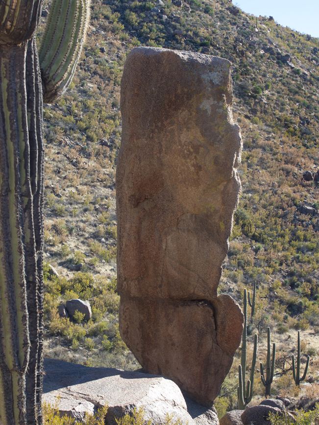 Ballantine Hiking Trail; Rock Formations; Arizona; Central Arizona Hiking Trails; Moderate Hiking Trails; Mazatzal Mountains; Tonto National Forest; Dayhikes; Copyright azutopia.com. No use without express written permission.