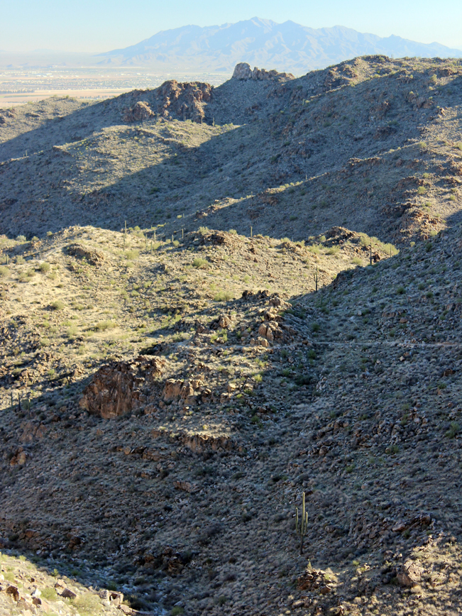 Goat Camp Hiking Trail; White Tank Mountain Regional Park; White Tank Mountains; Maricopa; Phoenix; Arizona; Phoenix Area Hiking Trails; Difficult Hiking Trails; Pet Friendly Hiking Trails; Estrella Mountain View. Copyright azutopia.com. No use without express written permission.