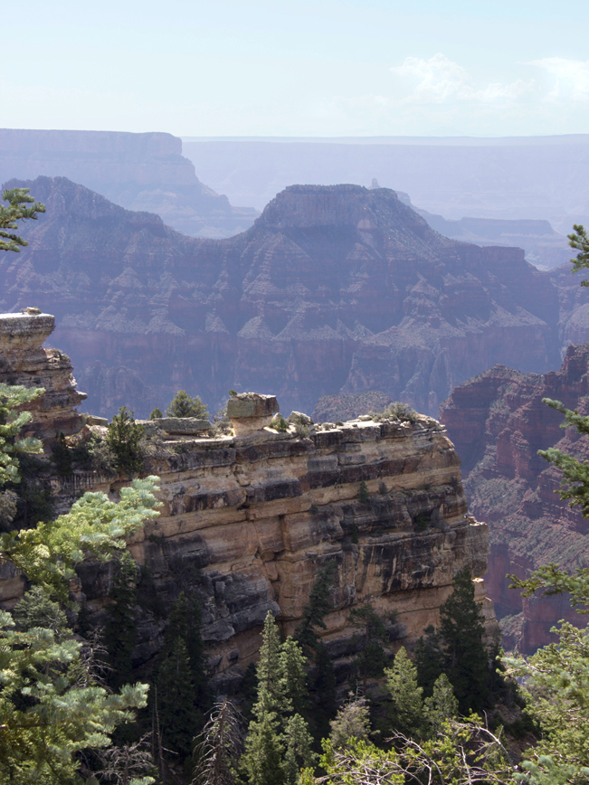 Rock Formations; Rim; Widforss Canyon; Widforss Hiking Trail; Grand Canyon; Arizona; North Rim; Easy Hiking Trails; Family Friendly Hiking Trails; Copyright azutopia.com; No use without permission